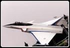L'avion décolle sur les Champs-Elysées...