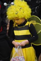 La belle abeille de carnaval