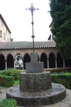 la croix de l'abbaye