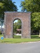 La façade postérieure de l\'arc de triomphe