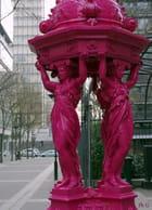 La fontaine Wallace, toute de rose vêtue