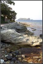 La mer, les rochers, l'ile...