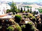 La promenade de Ronda au bord du précipice