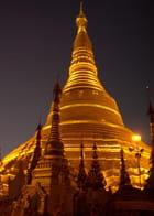 La Shwedagon de nuit