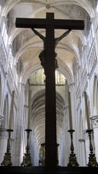 Le Christ, face à la nef
