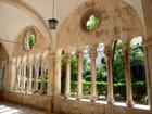 Le cloître du monastère franciscain