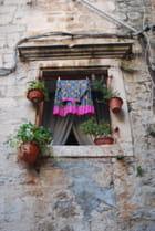 le linge à la fenêtre