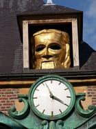 Le masque et l'horloge