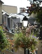 Le Pecq fleuri : lampadaire rue de Paris