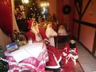Le Père Noël attend les enfants sages
