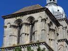 Le superbe clocher de St Andoche de Saulieu