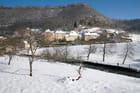 Le village de Baume-les-Messieurs sous la neige