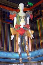 les statues du hall d'entrée du Costa Séréna