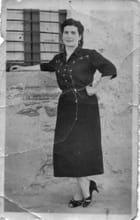 Ma mere en 1954
