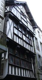 Maison à pondalez. 16 ème siècle.