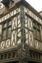 Maison du pilier, à Sens