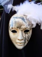 Masque en porcelaine