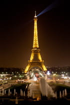 monuments, Paris by night