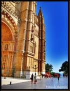 Parvis de la Cathedrale de Palma.