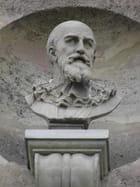 Patrimoine alpicois : Bas-reliefs du Pavillon Sully