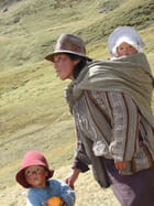 Péruvienne et ses enfants