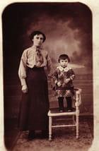 petit garçon et sa mère