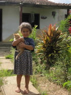 Petite cubaine dans la campagne