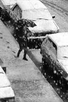piéton sous la neige