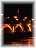 Pont de pierre by night