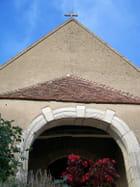 Porche de l'église de Villaines-les-Prevotes