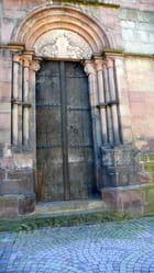Porte haute d'église