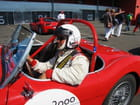 Portrait de pilote de course auto.