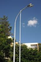 Poteaux électriques urbain