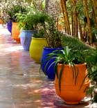 Poteries colorées au Jardin Majorelle