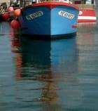 Reflets dans le port