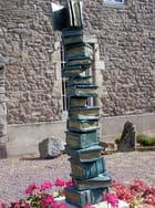 """Sculpture  """"Saulieu au coeur des livres"""""""