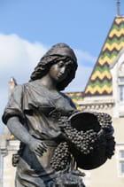 Statue de la vendangeuse