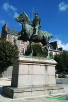 Statue du Guesclin