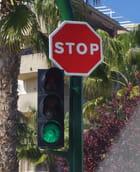 Stop au feu vert