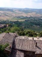 Toits et campagne toscans