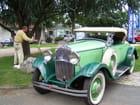 Très belle voiture ancienne.