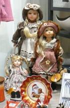 Un joli trio de poupées