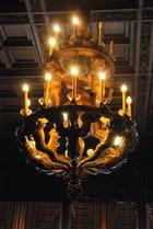 un lustre d'une salle du palais Youssoupov