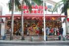 un magasin de la rue KOKUSAI