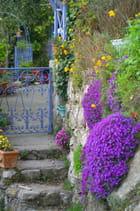 Une belle entrée fleurie