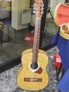 Une guitare en allumettes