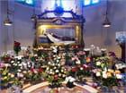 Une multitude de roses de toutes les couleurs pour la fête de la petite sainte normande
