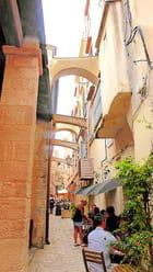 une ruelle sympathique de la citadelle de Bonifacio