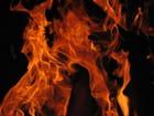 Visage dans les flammes