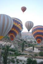 Vol de montgolfières au dessus de la Cappadoce